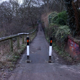 The entrance to the path along Woodhouse Ridge. I like the symmetry :-)