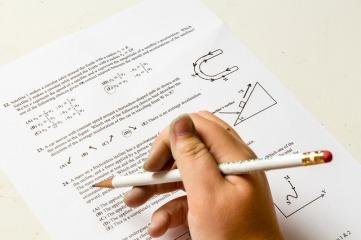 homework-2521144_640